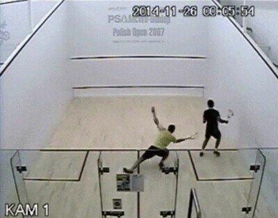 Enlace a El punto más épico en un partido de squash
