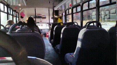 Enlace a Truco para que nadie se te siente al lado en el bus