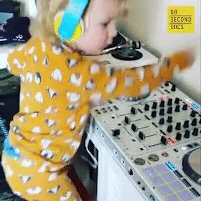 Enlace a Seguro que fue DJ en otra vida