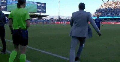 Enlace a Se nota cuando un entrenador antes fue jugador de fútbol