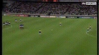 Enlace a Se cumplen 24 años de uno de los goles más locos de la historia