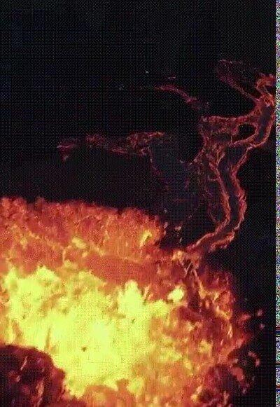 Enlace a Espectacular vídeo en un volcán grabado con un dron