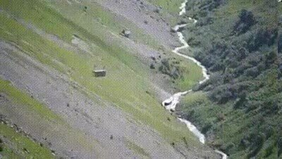 Enlace a Transporte aéreo para vacas en los Alpes Suizos