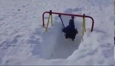 Enlace a Un poco de nieve no evitará que se pase la mañana jugando