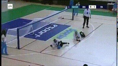 Enlace a Un deporte jugado por gente invidente