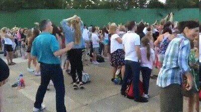 Enlace a En todos los conciertos hay alguie que baila así