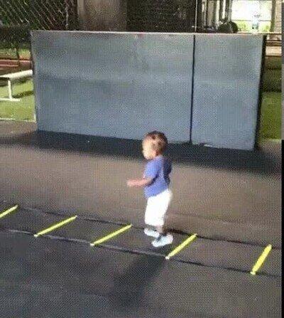 Enlace a Quiere entrenar con su padre cada día