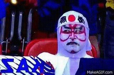 Enlace a Un fan japonés se asusta al verse a sí mismo en la cámara