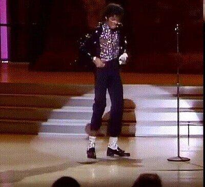 Enlace a Michael Jackson haciendo el Moonwalk por primera vez en público