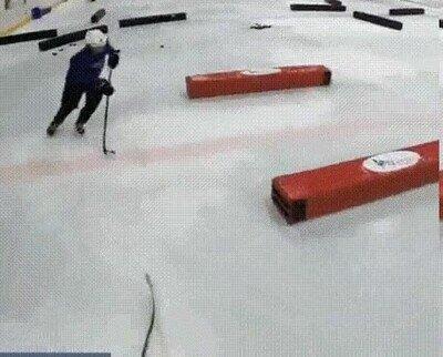 Enlace a Entrenamiento de hockey en Rusia para niños de 9 añoss