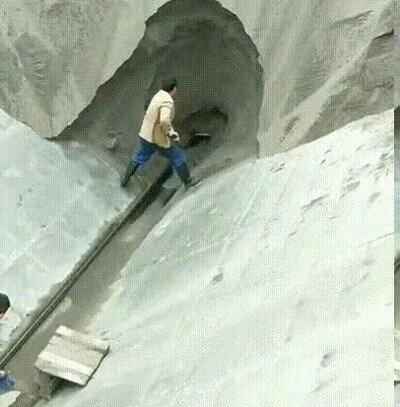 Da gustito ver cómo cae toda la arena