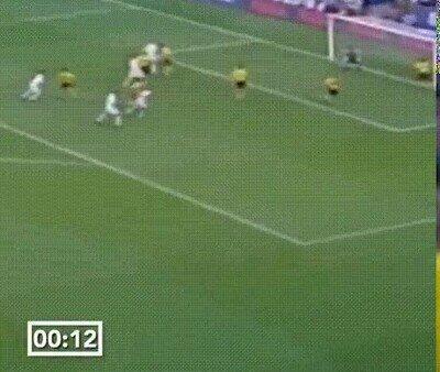 Enlace a Ronaldo solo tardó un minuto en marcar su primer gol con el Madrid