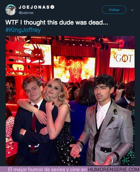 36760 - Joe Jonas sorprendido de ver a Joffrey con vida