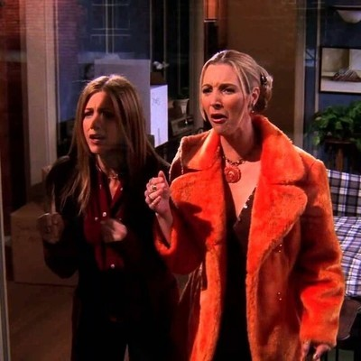 37174 - Lisa Kudrow hace un épico homenaje a una de sus mejores escenas en Friends
