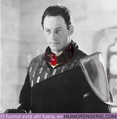 37742 - Ser Davos en el próximo capítulo con el collar de Melissandre