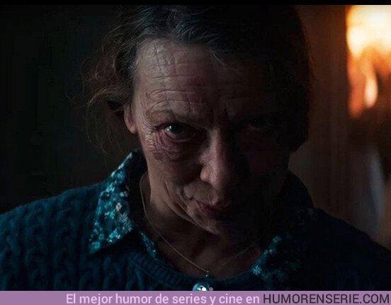 42208 - Hace diás que no puedo pegar ojo por culpa de esta señora