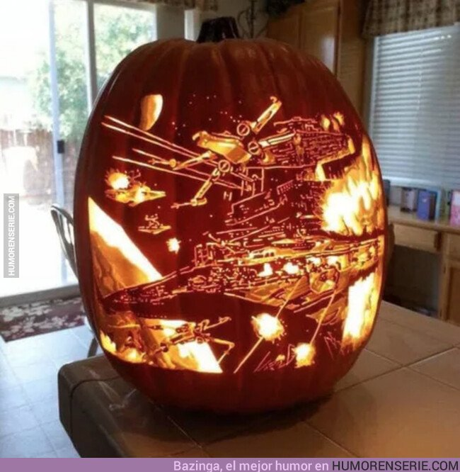 42478 - Octubre, se acerca Halloween, se acercan las calabazas decoradas de forma impresionante