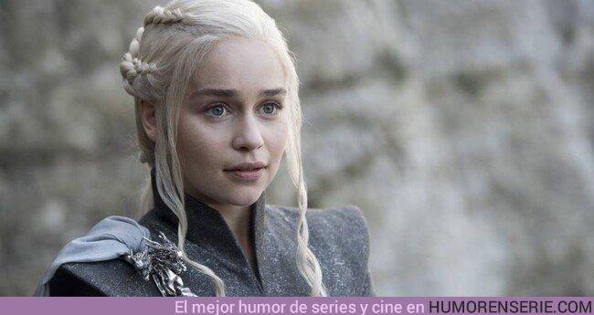 44194 - Emilia Clarke cuenta que se sintió obligada a desnudarse en Juego de Tronos