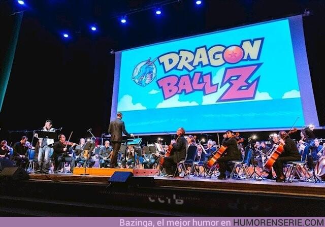 46216 - El cantante de Dragon Ball es herido grave tras caer del escenario en el concierto de Madrid