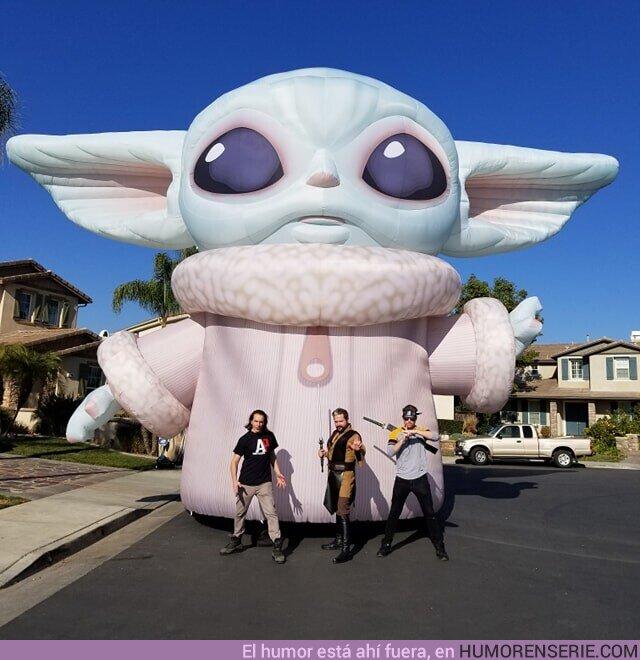 46678 - Preparan un Baby Yoda gigante para el