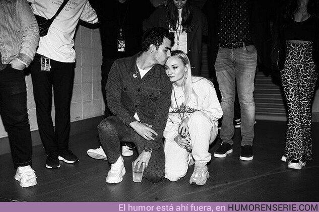 47404 - Sophie Turner y Joe Jonas anuncian que están esperando su primer hijo.
