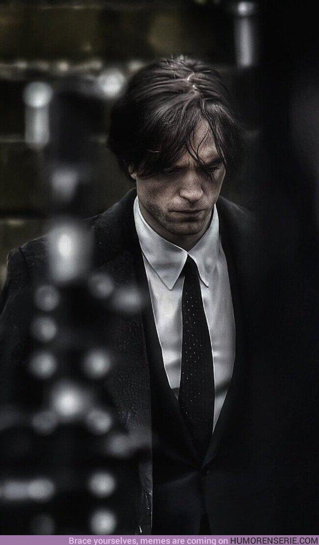 59345 - La viva imagen de Bruce Wayne  , por @brucebatman007