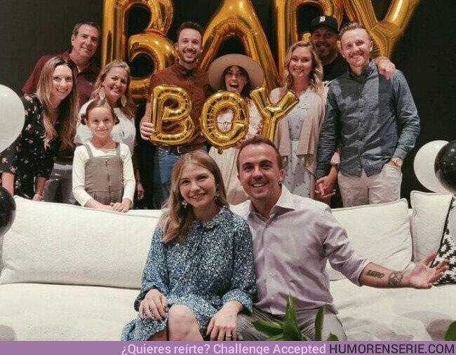 60187 - Frankie Muniz será papá