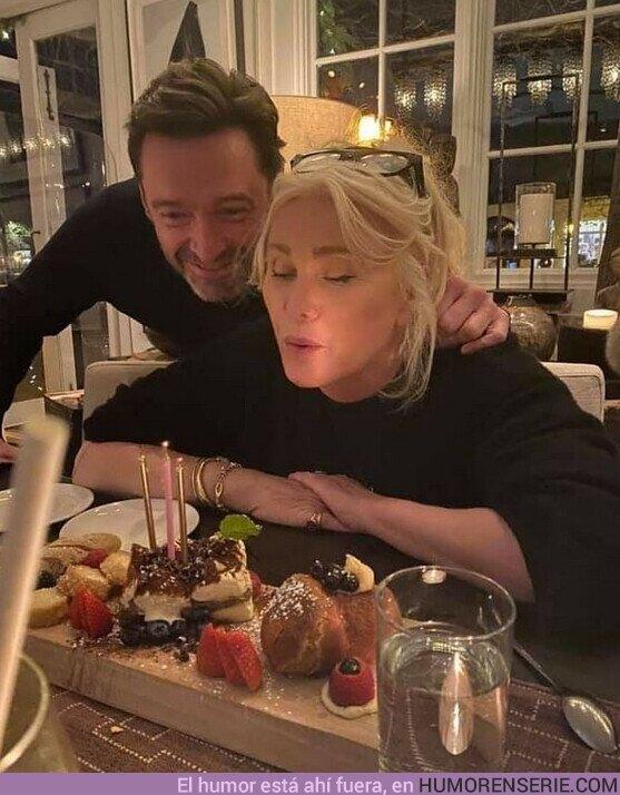 62231 - Quedate con quien te celebre tu cumpleaños, así como #HughJackman le celebró su cumpleaños a su esposa.