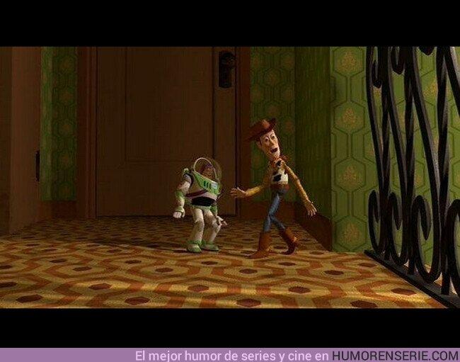 """62643 - En la película Toy Story, el diseño de la alfombra en el corredor de Sid, es el mismo que en """"The Shinning""""."""