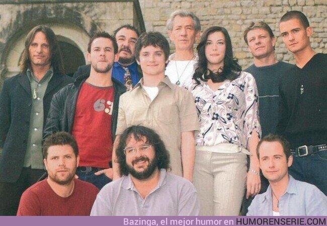 """67893 - Peter Jackson con el cast de """"El Señor de los Anillos: La Comunidad del Anillo."""" (2001)"""