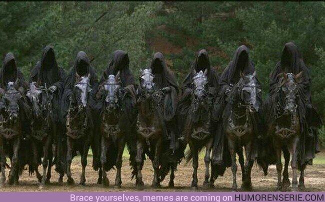 70475 - Detalles que hacen especial El Señor de los Anillos: los Nâzgul llevan el ojo de Sauron en sus caballos