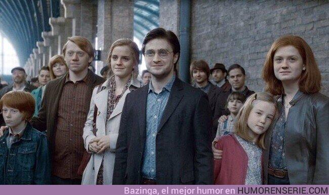 74767 - JK Rowling declaró que estuvo a punto de añadir a Dudley en la Plataforma 9 y 3/4 con un hijo mago, al final de la saga, junto al resto de las familias de los protagonistas