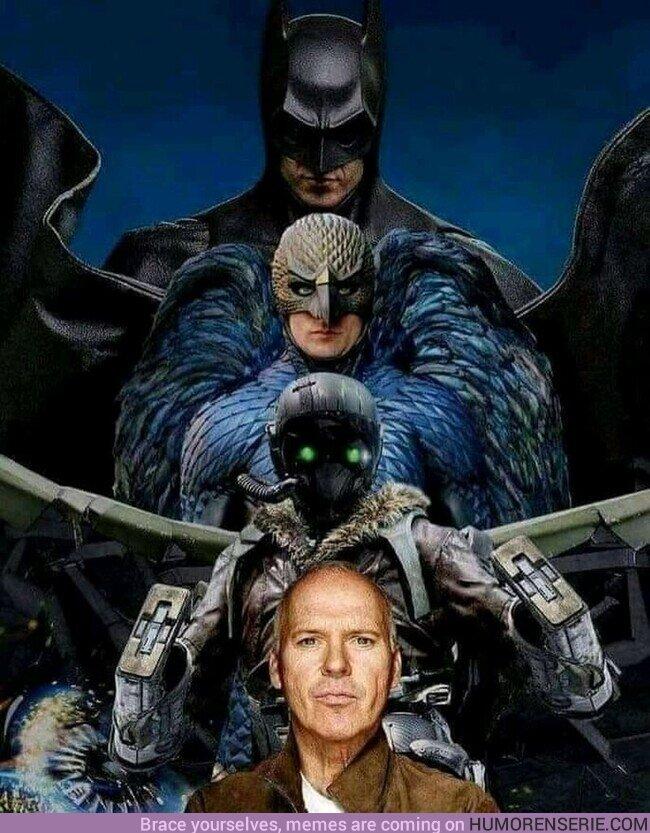 75221 - A Michael Keaton le va lo de surcar los cielos con un traje to molón y lo sabes
