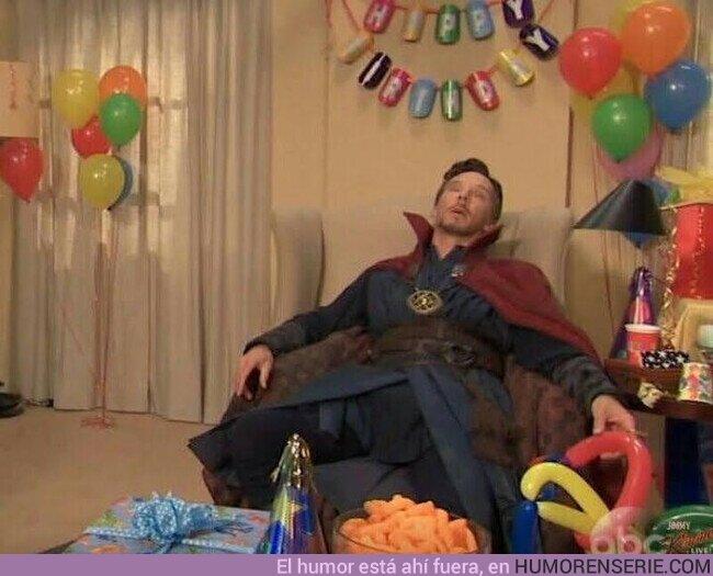 75887 - Dr. Strange viendo TODO EL DESMADRE que están haciendo Loki y Wanda like this