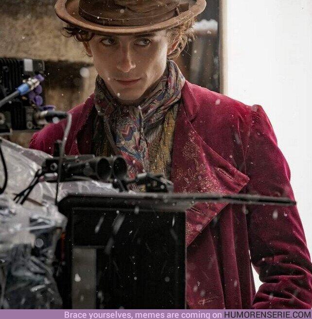 82554 - Él es #TimothéeChalamet como Willy Wonka.