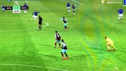 Enlace a Rooney anota su hat-trick con este golazo desde el medio campo