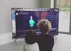 Enlace a VÍDEO: La reacción de los hijos de Vermaelen, al ver que su padre era titular