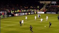 Enlace a Se cumplen 5 años de esta barbaridad de gol de Samuel Umtiti al Tottenham. Sí, Umtiti
