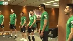 Enlace a La desternillante actividad grupal del Betis antes del partido contra la Real Sociedad