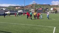 Enlace a Vergonzoso comportamiento en un partido de alevines contra el árbitro en Tenerife