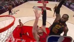 Enlace a El impresionante mate de LeBron James esta madrugada. Simplemente IMPARABLE
