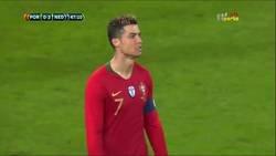 Enlace a Lo mejor del Portugal-Holanda: Brutal cabezazo de Cristiano y épica parada de Cillessen