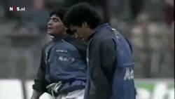 Enlace a Maradona haciendo el mejor calentamiento pre-partido de la historia
