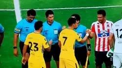 Enlace a Tevez niega el saludo a Teo Gutiérrez. Polemico Jugador con pasado en River.