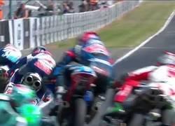 Enlace a Cuando decides hacer motocross en Moto3
