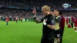 Enlace a Aún con los errores de Karius la afición del Liverpool le aplaudió al terminar el partido