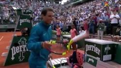 Enlace a Este fan de Nadal solo tenía un sueño con él y lo cumplió en Roland Garros