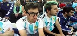 Enlace a Vídeo: Desesperación nivel: Aficionados argentinos en el Mundial