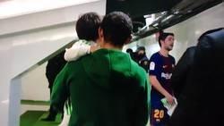 Enlace a La tierna reacción del hijo de Guardado al conocer a Leo Messi