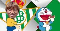 Enlace a Inui cantando la canción de Doraemon en su ceremonia de bienvenida a la plantilla del Betis es lo más loco que verás hoy
